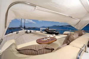 ALESSANDRO-Front-deck-2