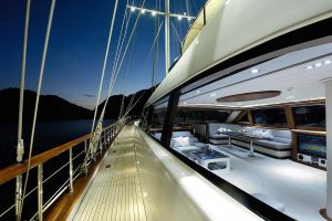 ALESSANDRO-Side-deck