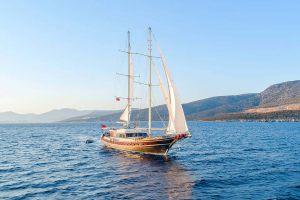DOUBLE-EAGLE-Sailing
