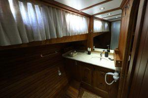 KANARYAM-Forward-Master-Bathroom-1-1