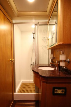 SCHATZ-Bathrooms-1