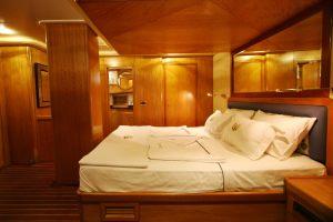 SCHATZ-Forward-Master-Cabin-3
