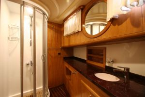 SCHATZ-Forward-Master-Cabin-Bathroom